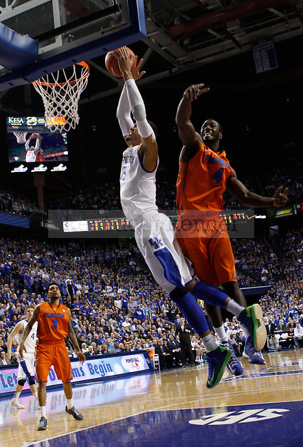 UK's Willie Cauley-Stein dunks the ball. in Lexington, Ky., on Sunday, March, 10, 2013. Photo by James Holt | Staff