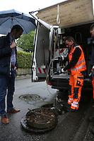 Baustadtrat Nils Kraft mit Kanalinspektor Michael Dörrmann