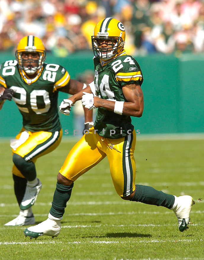 Joey Thomas, of the Green Bay Packers, during their game against the New Orleans Saints on October 9, 2005...Packers win 52-3...Chris Bernacchi / SportPics