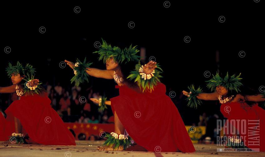 Merrie Monarch Kahiko Dancers