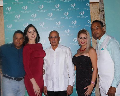 Miguel Tavarez, Stephanía García, Edilio Flores, Julieta Londoño y José Manuel Díaz.