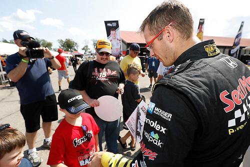 Sébastien Bourdais, Dale Coyne Racing with Vasser-Sullivan Honda and fans
