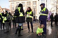 Nederland - Amsterdam - 2019. Gele Hesjes protest op de Dam.  Foto Berlinda van Dam / Hollandse Hoogte