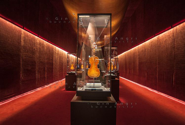 Museo Del Violino.Cremona Museo Del Violino Gin Angri Photojournalist Buenavista