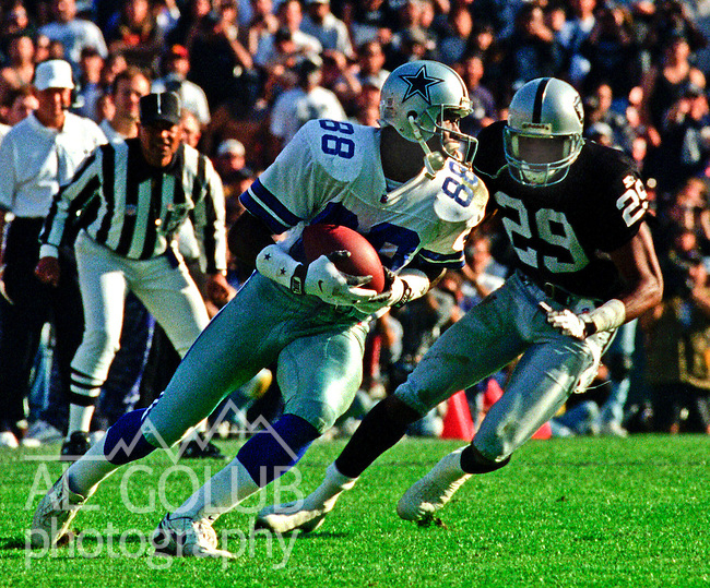 Oakland Raiders vs. Dallas Cowboys at Oakland Alameda County Coliseum Sunday, November 19, 1995.  Cowboys beat Raiders  34-21.  Dallas Cowboys wide receiver Michael Irvin (88).