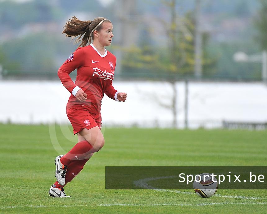 RSC Anderlecht Dames - FC Twente : Tessa Klein Braskamp aan de bal .foto DAVID CATRY / Nikonpro.be
