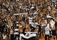SÃO PAULO, SP,08 FEVEREIRO 2012 - CAMPEONATO PAULISTA - PALMEIRAS x XV PIRACICABA - Torcedores do XV de Piracicaba durante partida Palmeiras x XV Piracicaba válido pela 6º rodada do Campeonato Paulista no Estádio Paulo Machado de Carvalho (Pacaembu), na região oeste da capital paulista na noite desta quarta feira (08). (FOTO: ALE VIANNA - NEWS FREE).