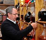 20081001 - France - Bourgogne - Dijon<br /> A LA FABRIQUE DE CASSIS BRIOTTET, 12 RUE BERLIER A DIJON.<br /> Ref : CASSIS_BRIOTTET_001.jpg - © Philippe Noisette.