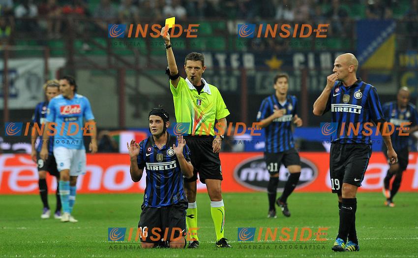 "Gianluca ROCCHI ammunisce Cristian CHIVU (Inter).Milano 1/10/2011 Stadio ""Giuseppe Meazza"".Serie A 2011/2012.Football Calcio Inter Vs Napoli.Foto Insidefoto Alessandro Sabattini."