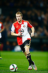 Nederland, Rotterdam, 24 september 2015<br /> KNVB Beker<br /> Seizoen 2015-2016<br /> Feyenoord-PEC Zwolle (3-0)<br /> Simon Gustafson van Feyenoord in actie met bal