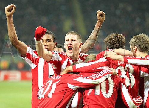 23.02.2011 A small measure of revenge for Bayern Munich as the German side earned a valuable 1-0 Champions League first leg win against Inter Milan. Picture shows goal celebrations with Bastian Schweinsteiger, Mario Gomez and team mates.