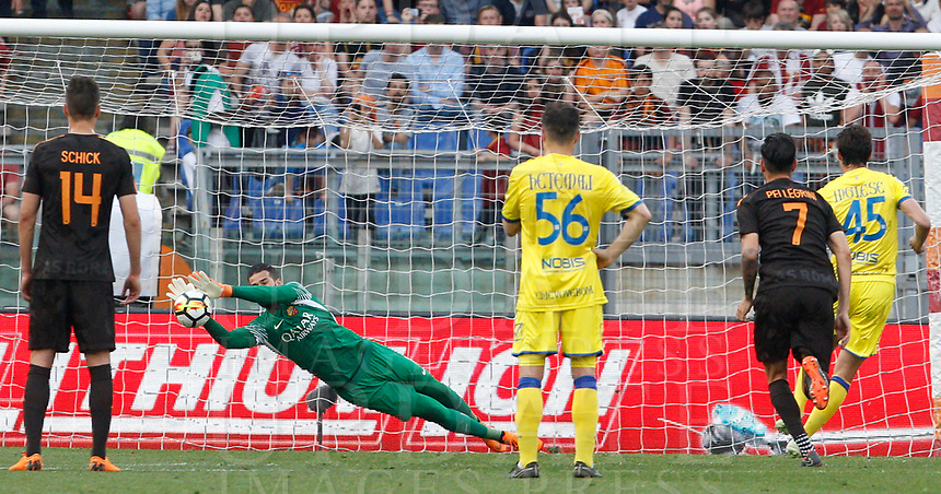 Roma s goalkeeper Alisson, second from left, saves a penalty kicked by Chievo Verona s Roberto Inglese, right, during the Italian Serie A football match between Roma and Chievo Verona at Rome's Olympic stadium, 28 April 2018.<br /> UPDATE IMAGES PRESS/Riccardo De Luca