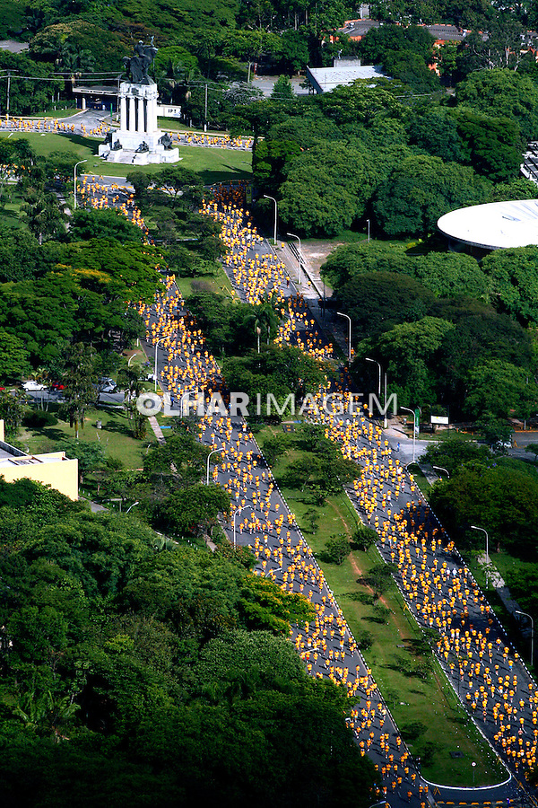 Prova de maratona da Nike. São Paulo. 2006. Foto de Flávio Bacellar.
