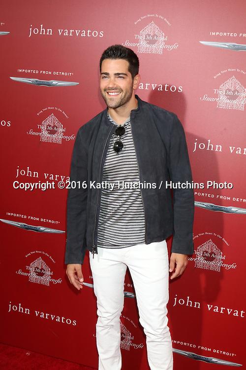 LAS VEGAS - APR 17:  Jesse Metcalfe at the John Varvatos 13th Annual Stuart House Benefit at the John Varvatos Store on April 17, 2016 in West Hollywood, CA
