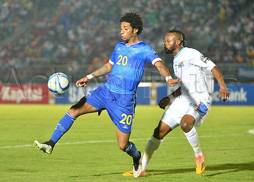 22.01.2015. Equitorial Guinea. African Cup of Nations football tournament. Cap Vert versus DR Congo.  Ryan Mendes (Cap Vert) - Jean Kasusula Kilichio (rd congo)