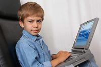 Bambini e tecnologia.Children and Technology...