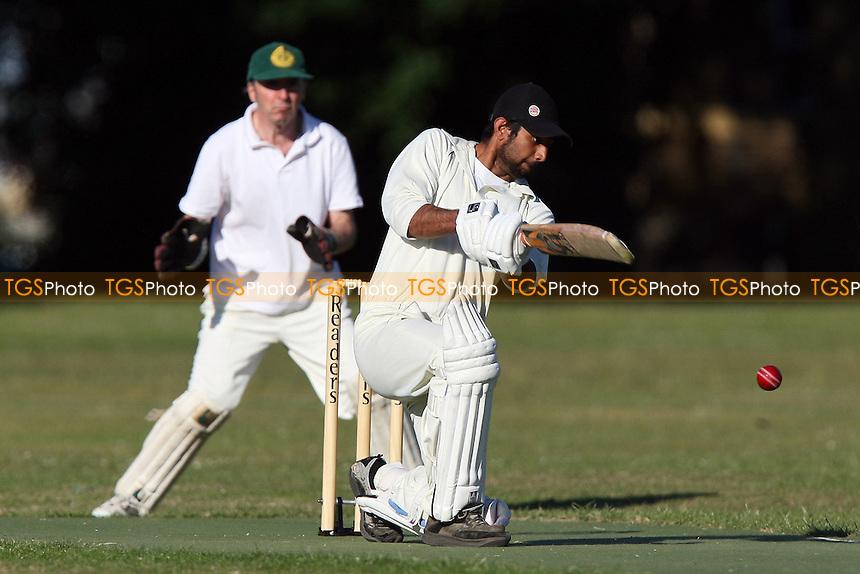 Masiha CC vs Chats Palace CC - Victoria Park Community Cricket League - 23/06/09 - MANDATORY CREDIT: Gavin Ellis/TGSPHOTO - Self billing applies where appropriate - 0845 094 6026 - contact@tgsphoto.co.uk - NO UNPAID USE.