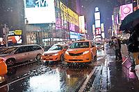 NEW YORK 26/12/2012 - ARRIVA LA PRIMA NEVE DI STAGIONE NELLA GRANDE MELA. NELLA FOTO TIME SQUARE SOTTO LA NEVE.FOTO DI LORETO ADAMO