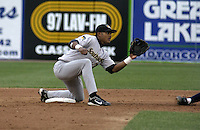 April 22, 2004:  /ss/ Emilio Bonifacio (2) of the South Bend Silver Hawks, Class-A Midwest League affiliate of the Arizona Diamondbacks, during a game at Fifth Third Ballpark in Comstock Park, MI.  Photo by:  Mike Janes/Four Seam Images