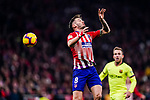 Saul Niguez of Atletico de Madrid heads the ball during the La Liga 2018-19 match between Atletico Madrid and FC Barcelona at Wanda Metropolitano on November 24 2018 in Madrid, Spain. Photo by Diego Souto / Power Sport Images