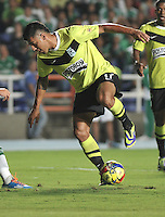 CALI- COLOMBIA -22 -01-2014: Jeferson Duque, jugador del Atletico Nacional, durante partido de ida por la Super Liga 2014, en el estadio Pascual Guerrero de la ciudad de Cali.  / Jeferson Duque, player of Atletico Nacional, during the match between Deportivo Cali and Atletico Nacional for the first leg of the Super Liga 2014 at the Pascual Guerrero Stadium in Cali city. Photo: VizzorImage  / Luis Ramirez / Staff.