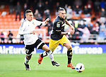 Valencia's Rodrigo and Granada CF's Miguel Lopes during Spanish King's Cup match. January 6, 2016. (ALTERPHOTOS/Javier Comos)