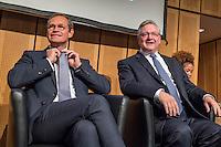 Diskussionsrunde der Spitzenkandidaten von SPD, CDU, Gruenen, Linkspartei und Piraten zur Abgeordnetenhauswahl 2016.<br /> Auf Einladung der IHK Berlin, Handwerkskammer Berlin und dem Verein Berliner Kaufleute und Industrieller mussten am Montag den 5. September 2016 die Spitzenkandidaten von SPD, CDU, Gruenen, Linkspartei und Piraten sich provozierenden Fragen von zwei Moderatoren beantworten. Als Publikum bestand aus Angehoerigen der Berliner Wirtschaft und Firmenbesitzern.<br /> Im Bild vlnr.: Michael Mueller, SPD und Regierender Buergermeister und Frank Henkel, CDU, stellv. Buergermeister und Innensenator. <br /> 5.9.2016, Berlin<br /> Copyright: Christian-Ditsch.de<br /> [Inhaltsveraendernde Manipulation des Fotos nur nach ausdruecklicher Genehmigung des Fotografen. Vereinbarungen ueber Abtretung von Persoenlichkeitsrechten/Model Release der abgebildeten Person/Personen liegen nicht vor. NO MODEL RELEASE! Nur fuer Redaktionelle Zwecke. Don't publish without copyright Christian-Ditsch.de, Veroeffentlichung nur mit Fotografennennung, sowie gegen Honorar, MwSt. und Beleg. Konto: I N G - D i B a, IBAN DE58500105175400192269, BIC INGDDEFFXXX, Kontakt: post@christian-ditsch.de<br /> Bei der Bearbeitung der Dateiinformationen darf die Urheberkennzeichnung in den EXIF- und  IPTC-Daten nicht entfernt werden, diese sind in digitalen Medien nach §95c UrhG rechtlich geschuetzt. Der Urhebervermerk wird gemaess §13 UrhG verlangt.]