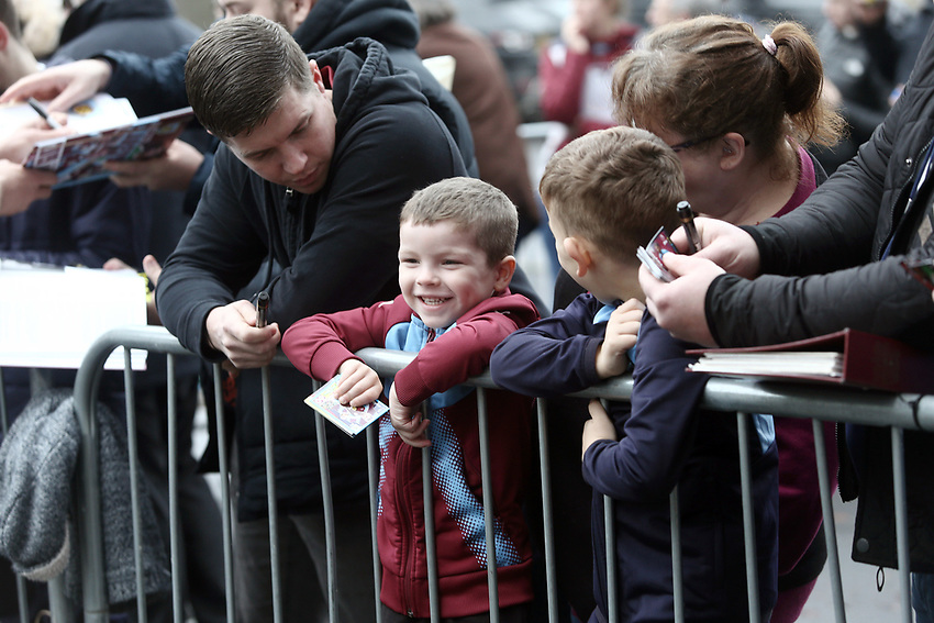 Burnley fans wait for the players to arrive ahead of kick-off<br /> <br /> Photographer Rich Linley/CameraSport<br /> <br /> The Premier League - Burnley v Everton - Wednesday 26th December 2018 - Turf Moor - Burnley<br /> <br /> World Copyright © 2018 CameraSport. All rights reserved. 43 Linden Ave. Countesthorpe. Leicester. England. LE8 5PG - Tel: +44 (0) 116 277 4147 - admin@camerasport.com - www.camerasport.com