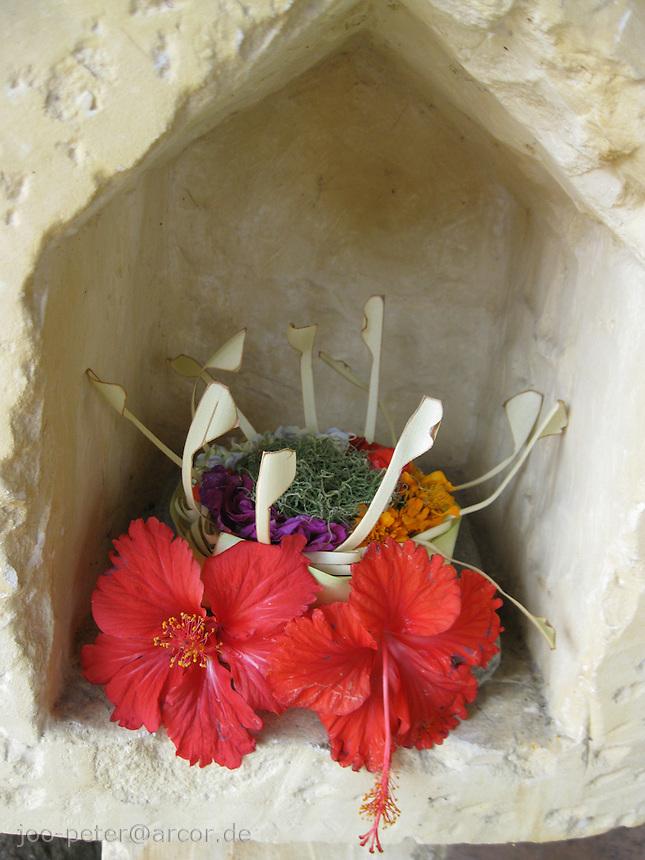daily offerings, Ubud, Bali, archipelago Indonesia
