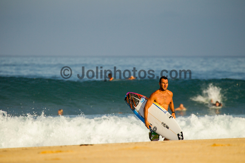 HONOLULU - Off The Wall, Oahu, Hawaii (Saturday, December 1, 2012) Joel Parkinson (AUS). --Small surf was on offer today on the North Shore. A left over north-west swell in 3'-4' range provided fun waves at Log Cabins, Off The Wall and Rocky Point. Photo: joliphotos.com