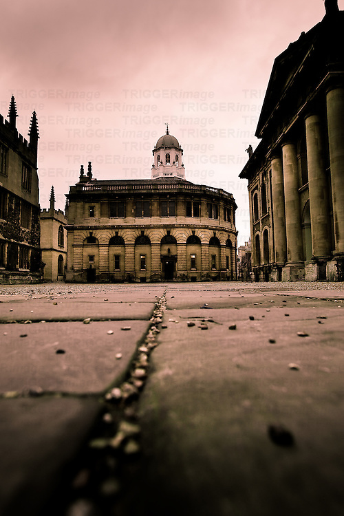 Low street view in Oxford, England