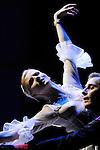 MARIE ANTOINETTE..Chorégraphie et Mise en scène Patrick de Bana..Costumes Agnès Letestu..Décors Marcelo Pacheco, Alberto Esteban / Area Espacios Efimeros..Lumières James Angot..Avec :..Marie-Antoinette : Olga Esina..Axel de Fersen : Kamil Pavelka..Compagnie : Wiener Staatsballett / le ballet de l'Opéra de Vienne..Lieu: Opéra Royal de Versailles..Ville : Versailles..le 02/11/2011