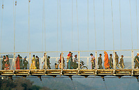 "S?dasien Asien Indien IND Rishikesh am Fluss Ganges Pilger auf Bruecke Haengebruecke . - Hinduismus Hindu Hindus Religion xagndaz | .Asia India Rishikesh at River ganges Ganga pilgrim on hanging bridge - Religion Hinduism .| [ copyright (c) Joerg Boethling / agenda , Veroeffentlichung nur gegen Honorar und Belegexemplar an / publication only with royalties and copy to:  agenda PG   Rothestr. 66   Germany D-22765 Hamburg   ph. ++49 40 391 907 14   e-mail: boethling@agenda-fototext.de   www.agenda-fototext.de   Bank: Hamburger Sparkasse  BLZ 200 505 50  Kto. 1281 120 178   IBAN: DE96 2005 0550 1281 1201 78   BIC: ""HASPDEHH"" ,  WEITERE MOTIVE ZU DIESEM THEMA SIND VORHANDEN!! MORE PICTURES ON THIS SUBJECT AVAILABLE!! INDIA PHOTO ARCHIVE: http://www.visualindia.net ] [#0,26,121#]"