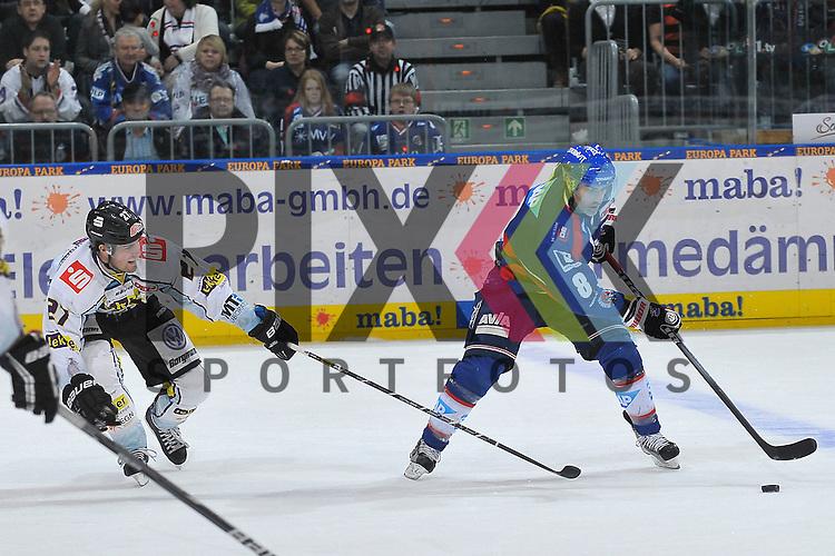 Krefelds Joshua Meyers (Nr.27) gegen Mannheims Yanick Lehoux (Nr.8)  beim Spiel in der DEL, Adler Mannheim - Krefeld Pinguine.<br /> <br /> Foto &copy; Ice-Hockey-Picture-24 *** Foto ist honorarpflichtig! *** Auf Anfrage in hoeherer Qualitaet/Aufloesung. Belegexemplar erbeten. Veroeffentlichung ausschliesslich fuer journalistisch-publizistische Zwecke. For editorial use only.