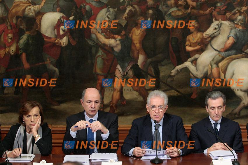 Elsa Fornero, Corrado Passera, Mario Monti,Vittorio Grilli.Roma 21/11/2012 Conferenza stampa al termine del tavolo Governo-parti sociali sulla produttivita'..Photo Samantha Zucchi Insidefoto