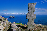 Celtic cross at early christian monastery on the isolated island of Skellig Michael, County Kerry, Ireland, AGPix_0135.