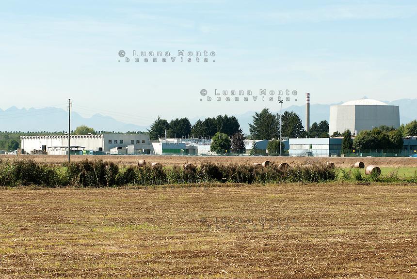 """Deposito di scorie radiottive """"Avogadro"""" e complesso """"Sorin"""". Saluggia (Vercelli), 21 settembre 2011...""""Avogadro"""" radioactive waste storage and """"Sorin"""" plant. Saluggia (Vercelli), September 21, 2011"""