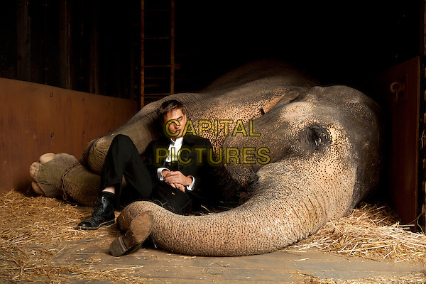 ROBERT PATTINSON.in Water for Elephants.rob .*Filmstill - Editorial Use Only*.CAP/PLF.Supplied by Capital Pictures.