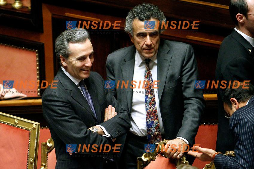 VITTORIO GRILLI E FABRIZIO BARCA.Roma 22/12/2011 Senato. Voto di Fiducia sulla Manovra Economica.Votation at Senate about austerity plan. .Photo Samantha Zucchi Insidefoto