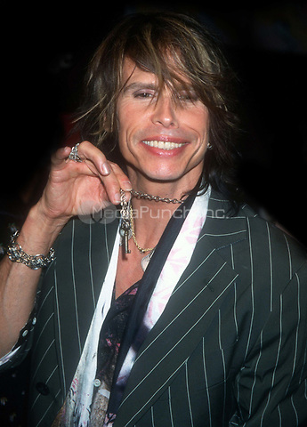 Steve Tyler 2001<br /> Photo By John Barrett/PHOTOlink.net / MediaPunch