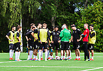 Stockholm 2014-06-07 Fotboll Superettan Hammarby IF - Tr&auml;ning :  <br /> Hammarbys spelare med tr&auml;nare Nanne Bergstrand under Hammarbys tr&auml;ning p&aring; &Aring;rsta IP den 7 juni 2014<br /> (Foto: Kenta J&ouml;nsson) Nyckelord:  Superettan  HIF Bajen Tr&auml;ning &Aring;rsta IP