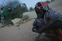 hundreds of refugees from northern Darfur arrived outside  the Oure Cassoni refugee camp in Chad over the past three months. On Dec 31st they are still waiting to be regitered by the UN. they lack food, blankets and wood to face the cold northern chadian nights.