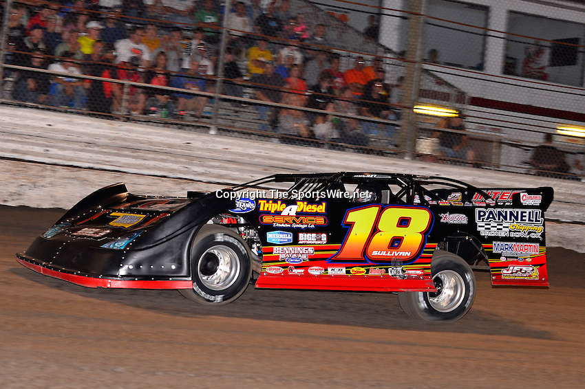 Feb 20, 2014; 6:50:57 PM;  Barberville, FL, USA;  World of Outlaws Late Model Series for 43rd Annual DIRTcar Nationals presented by Summit Racing Equipment at Volusia Speedway Park.  Mandatory Credit: (thesportswire.net)