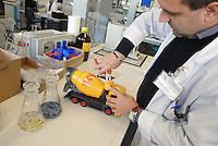 - Italian Institute for Toy Safety; certification of toys and products intended for children: chemical laboratory, analysis of plastics....- Istituto Italiano Sicurezza dei Giocattoli; certificazione dei giocattoli e dei prodotti destinati all'infanzia: laboratorio chimico, analisi della plastica