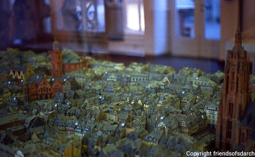 Frankfurt: Old Franfurt model view of Romerplatz, Domplatz from river.