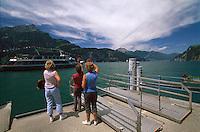 Schweiz, Anleger bei Tellsplatte am Urner See,Teil des Vierwaldstaetter Sees