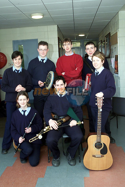The Slogadh group in Scoil Ui Mhuire, Dunleer. Back row L/R, Ciara Devlin, Seamus Hoey, Brian McAodha, teacher and Declan Dunne. Front row L/R, Emma Shields, Brendan McCreanor and Maria Harmon..Picture Paul Mohan Newsfile
