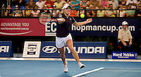 Melanie Oudin (USA) against Samantha Stosur (AUS) in a Group A match of Australia V USA. Stosur beat Oudin 6-2 6-4..International Tennis - Hyundai Hopman Cup XXII - Tues 05 Jan 2010 - Burswood Dome - Perth - Australia ..© Frey, AMN Images, Level 1, Barry House, 20-22 Worple Road, London, SW19 4DH