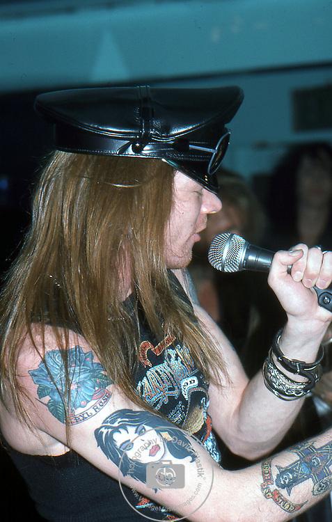Guns-N-Roses-405.jpg