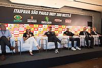 SAO PAULO, 02 DE MAIO DE 2013. COLETIVA DOS PILOTOS BRASILEIROS DA FORMULA INDY. Os pilotos Tony Kanaan, Helio CastroNeves e  Bia Figueiredo durante entrevista coletiva no centro de convenções do Anhembi na tarde desta quinta feira. FOTO ADRIANA SPACA/BRAZIL PHOTO PRESS
